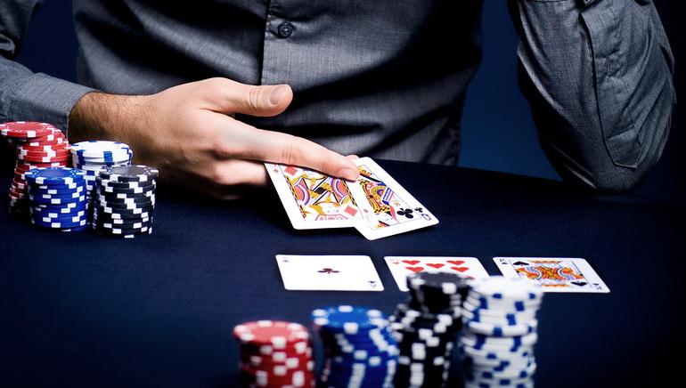 PokerStars Launches UK Mobile Poker App